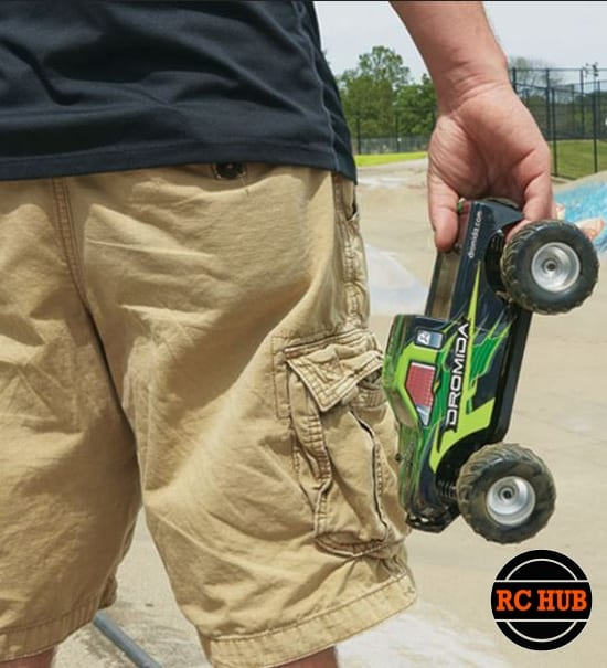 rc-hub-dromida-1-18-green-monster-truck-4