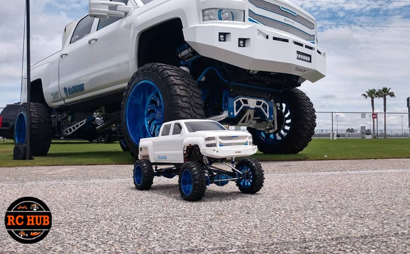FAN FRIDAY FEATURED BUILD BY LIFTED CUSTOMS