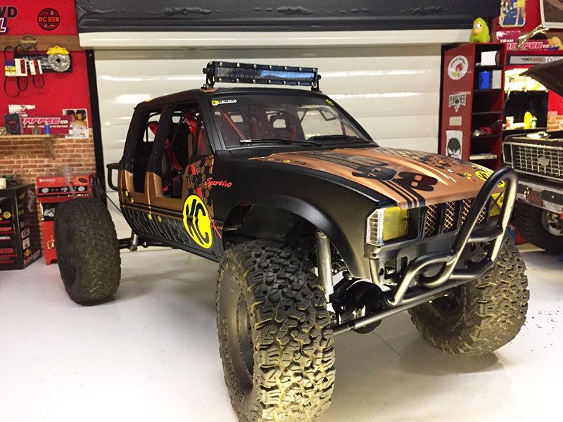 FAN FRIDAY FEATURED BUILD BY MIKAEL PENET